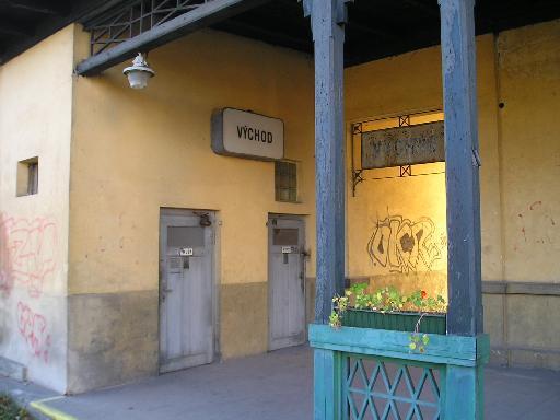 Nádraží Praha Řeporyje vstup